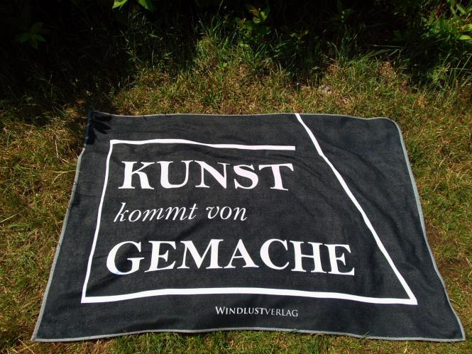 """Windlust-Strandtuch """"Kunst kommt von Gemache"""" (100x150cm)"""